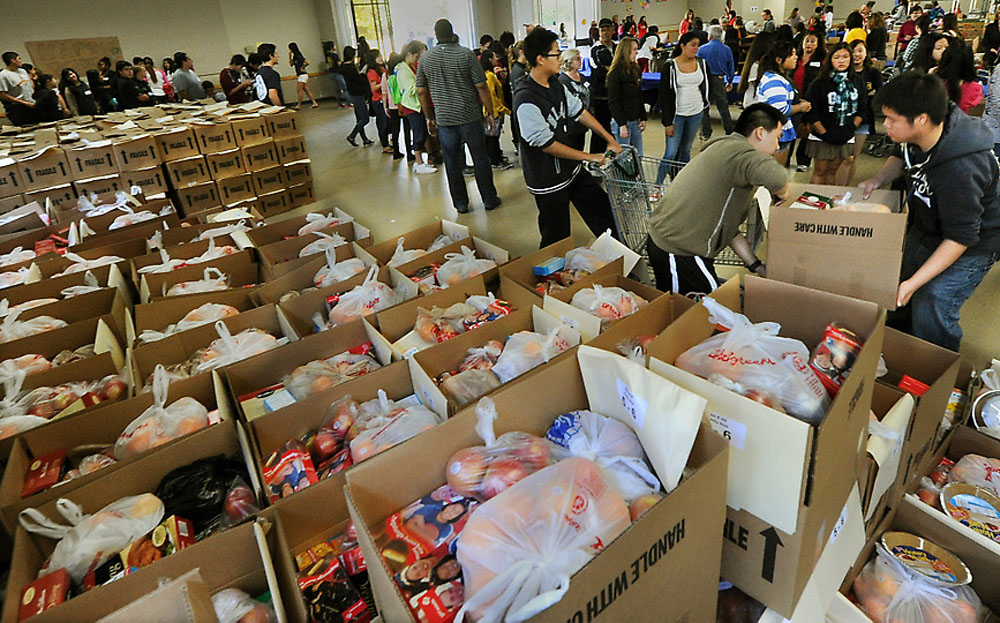 Foothill Unity Center Holiday Food Gift Distribution