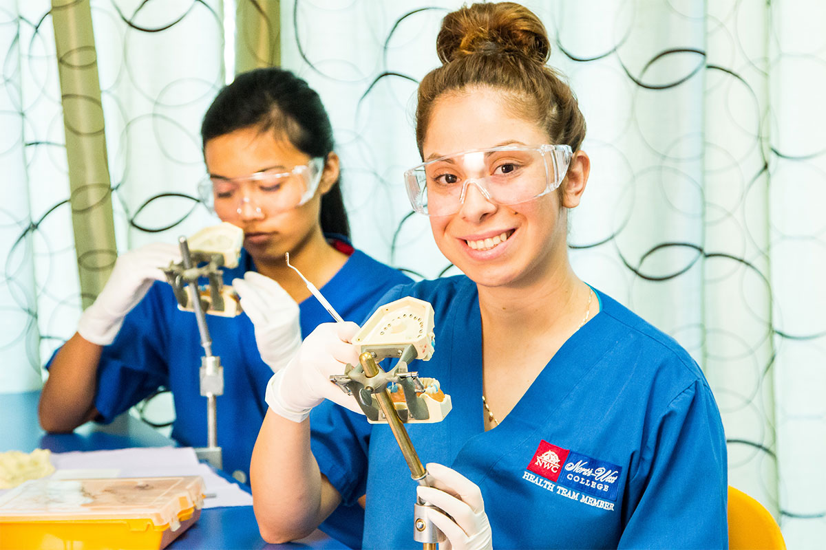 Dental Assistant Training in Los Angeles, West Covina, Pasadena, Pomona, Long Beach, Glendale, Riverside, Santa Ana
